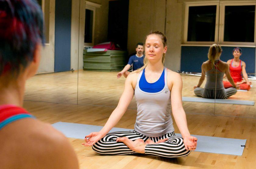 Kingoga ist Yoga mit Kathi im King Kong Club